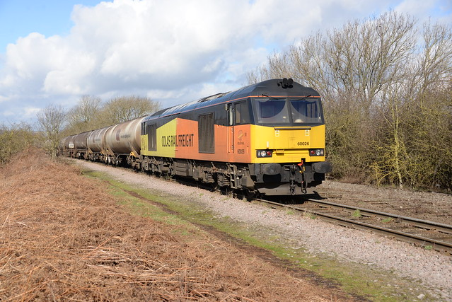 60026 CO COLO RY Draws the empties out of RECTORY OIL TERMINAL ready for departure with the 6E82 12:16 RECTORY JN - LINDSEY OIL REFINARY , Thursday 02nd March 2017