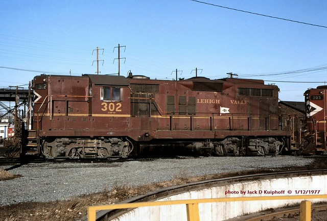 LV 302 GP18 Oak Island, NJ 01-1977