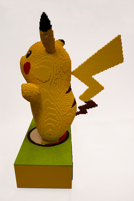LEGO Pikachu ( side )