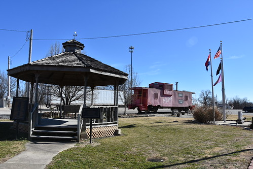 2017 crockermo crockermissouri pulaskicounty normaleasfriscopark friscopark gazebo railroad train