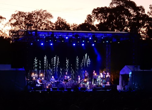 sunset silhouette lights concert stage band illumination winery vanmorrison seppeltsfield