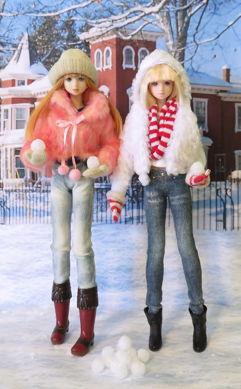Pris & Kellis are ready for the snowball fight