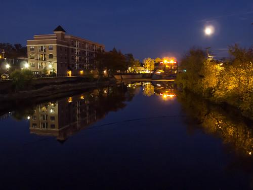 moon reflection water night landscape lumix october mainstreet nh margaritas nashua urbanlandscape yellowleaves 2015 nashuariver mainstreetbridge lx5 blindphotographer