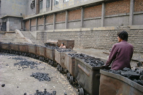 Sorting coal out of waste stone | by LHOON