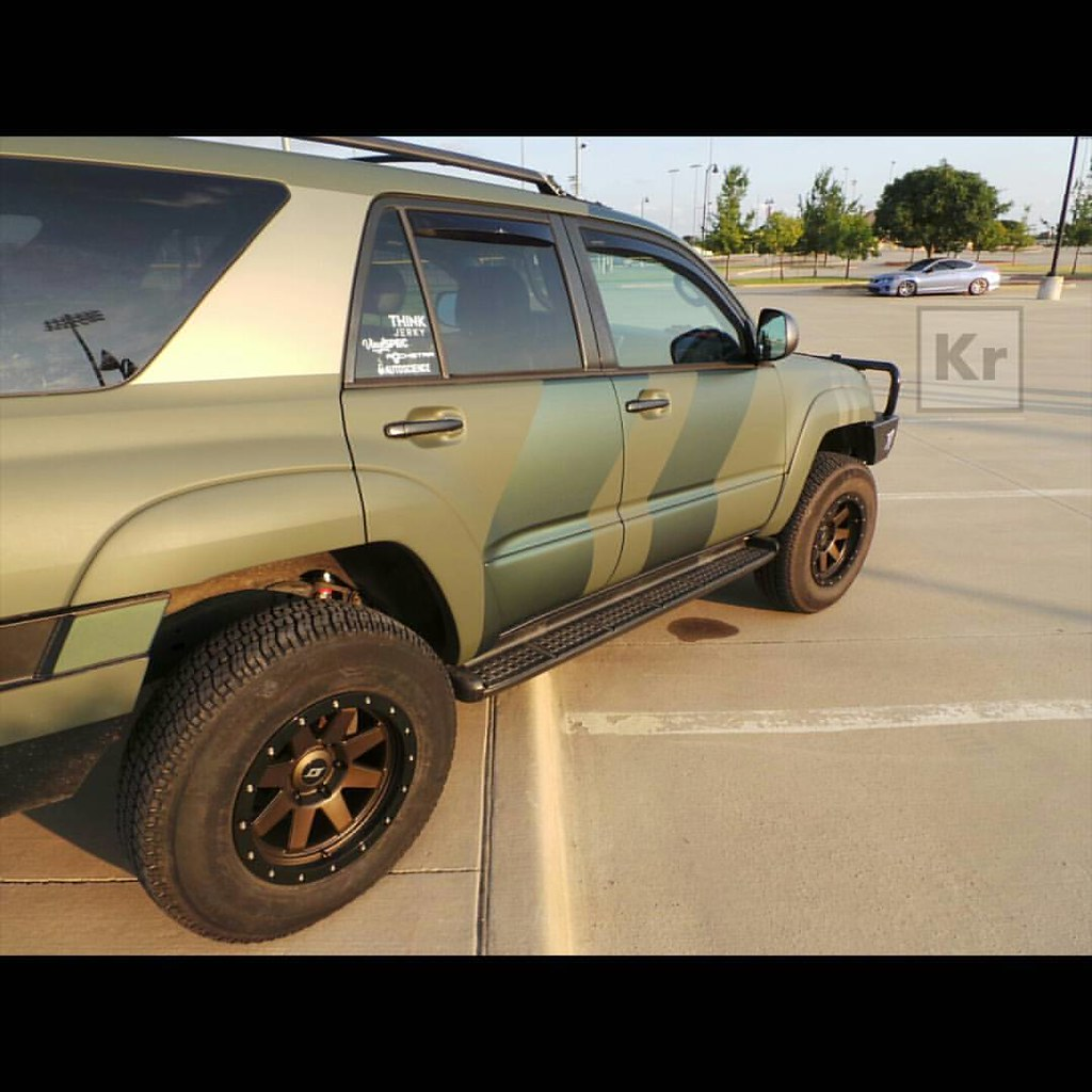 Custom Toyota 4runner >> There S A Lot Going On Here Toyota 4runner With A Custom