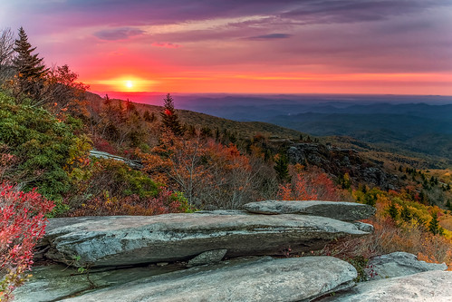autumn mountains fall sunrise dawn northcarolina blueridgeparkway blueridge roughridge