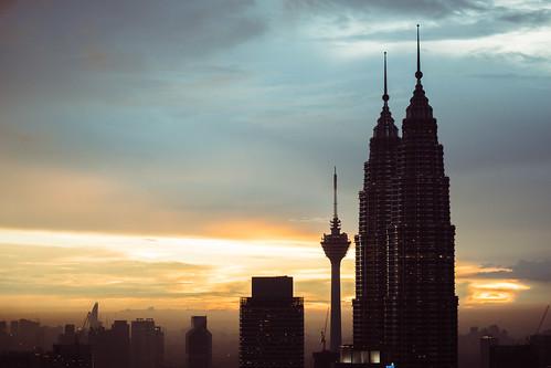 sunset petronas tokina malaysia twintowers kualalumpur vivitar hdr klcc sillhouette kltower petronastwintowers vintagelens vivitarseries1 vivitarseries170210mmf35vmctokina