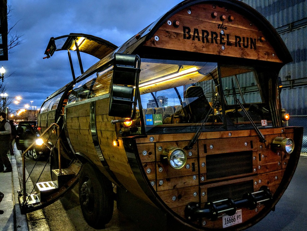 Barrel Run Bus | Chicago, Illinois | Travis Wise | Flickr