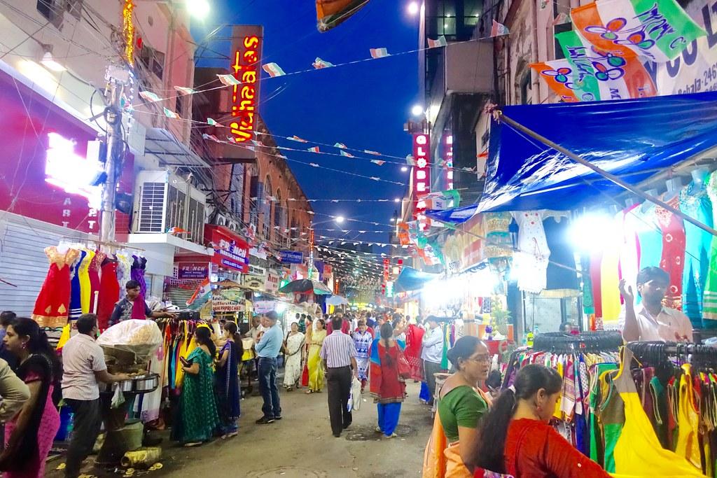 Kolkata night (ish) shopping near Sudder Street