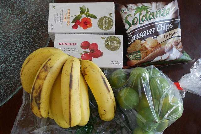 日, 2015-12-06 10:58 - 本日の買物 バナナ、ライム、ハーブティー、ユッカチップス