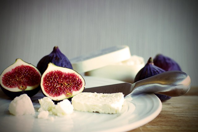 258/365: Figs and cheese