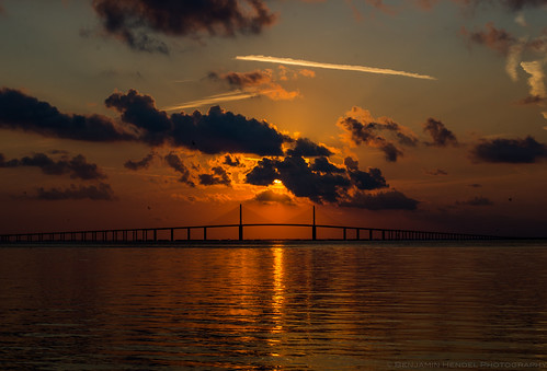 ocean bridge sunshine sunrise tampa us unitedstates tampabay florida dusk shore saintpetersburg sunshineskyway sunshineskywaybridge