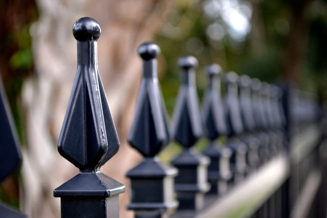 Fence pikes