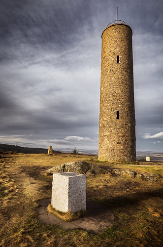 tower scolty hill banchory aberdeenshire trig point monument
