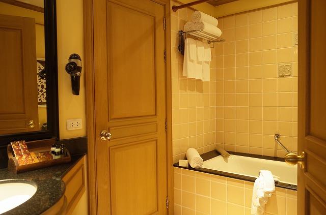 <p>c)ゲストのバスルーム</p>