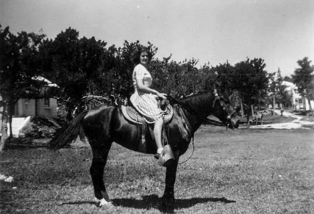 349 Grandfather Medbery's photos from Bermuda 1941.jpg