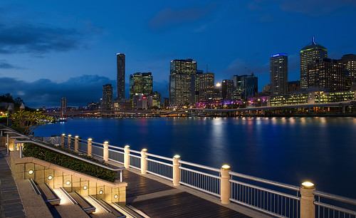 blue water buildings lights cityscape brisbane southbank bluehour