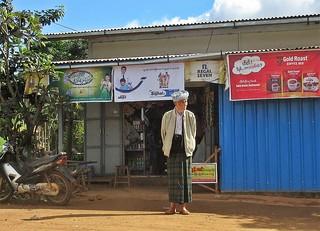 Myanmar On The Road In Shan State Man In Longyi Loca Flickr