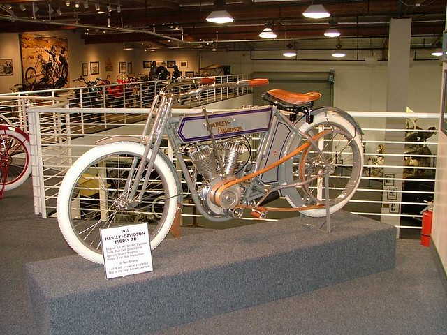 2004TB077