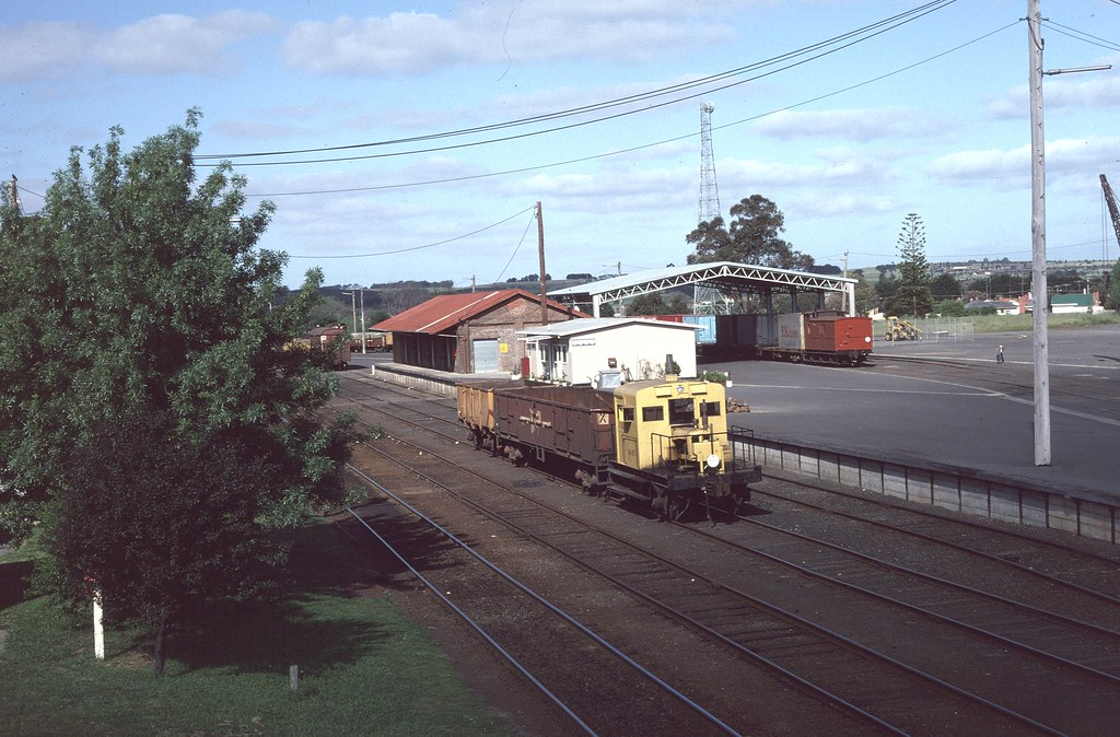 Rail Tractor at Colac by Alan Greenhill