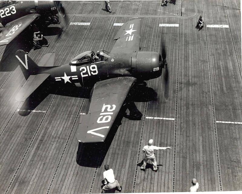 F8F Bearcat під час операцій перевізника