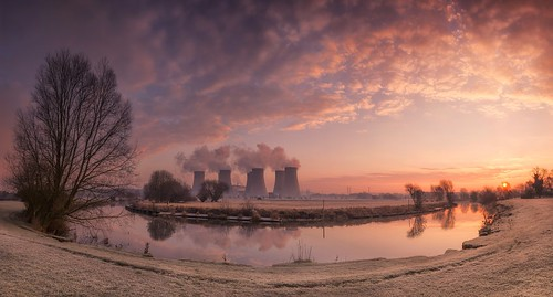powerstation coolingtowers power electricity energy riversoar river leicestershire redhillmarina marina pano panoramic panorama stitched winter sunrise dawn morning sunburst curve curving bend reflections tranquil serene condensingwatervapour steam frost frosty nikond7100 sigma1835f18 pastels ratcliffeonsoar ratcliffeonsoarpowerstation srbgraduatedneutraldensityfilter06 rural