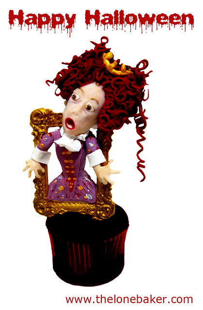 Haunted Portrait cupcake