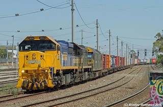 "XR554-X44-G529 with 9102 up PN Mildura ""Fruit Flyer"" freight at West Footscray (18/11/2015). 