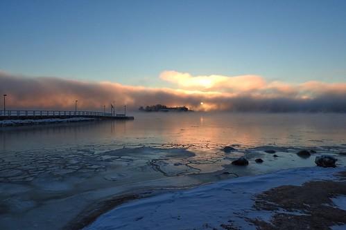 ice icey icefloes freezing freezingtemperatures freezingweather mist fog seafog helsinki finland kaivopuisto bluesky sunrise dawn morning winter january snow pier