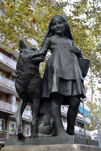 FONT DE LA CAPUTXETA VERMELLA