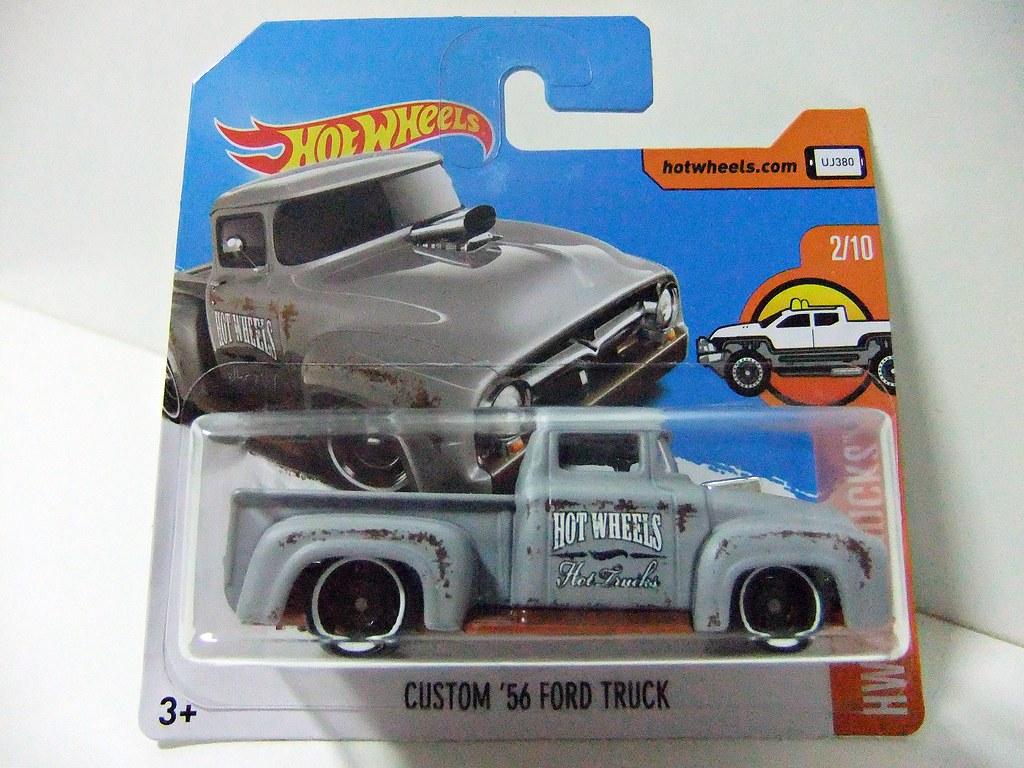 2017 Hot Wheels Custom /'56 Ford Truck Lot of 2