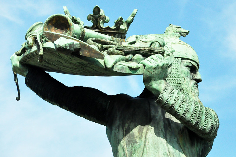 Hagendenkmal in Worms am Rhein_4_Schatz der Nibelungen