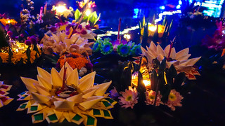 Loi-Krathong-09650.jpg | by Visions of Domino