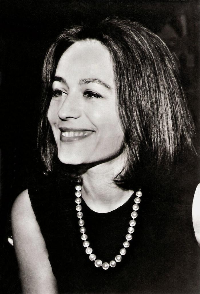 Anni Girardot