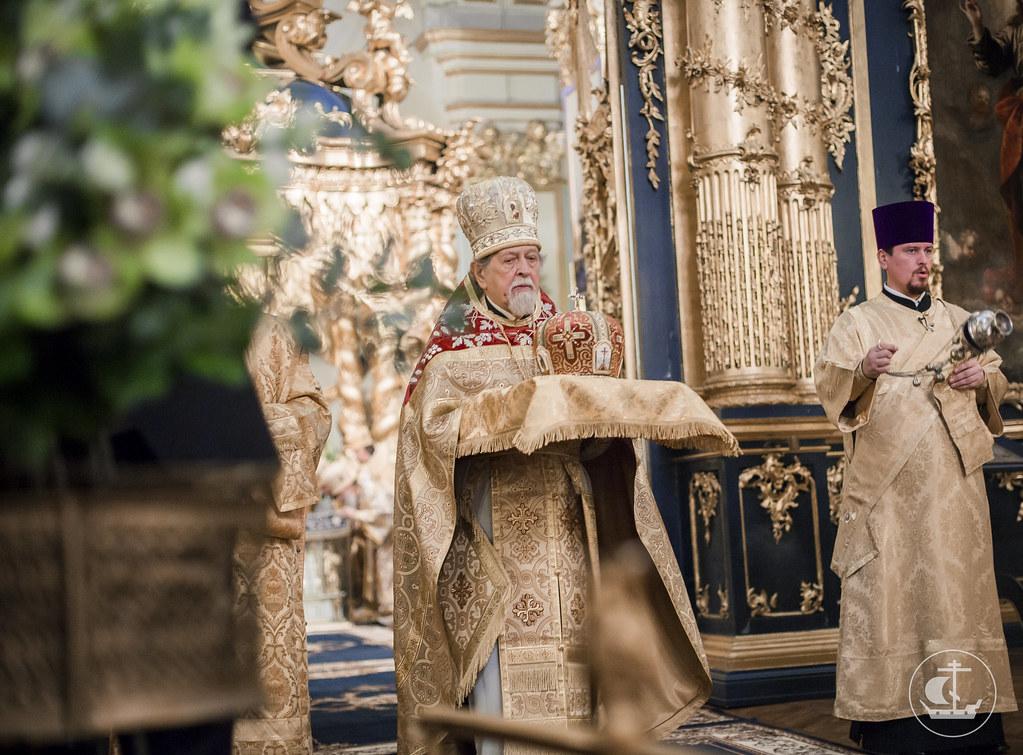 19 декабря 2016, Божественная литургия в Николо-Богоявленском морском соборе / 19 December 2016, Divine Liturgy in the St. Nicholas Naval Cathedral