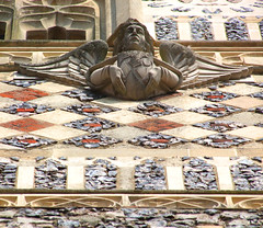Instruments of the Passion: angel with hammer and pincers