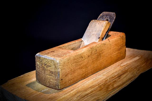 Ancien rabot à bois