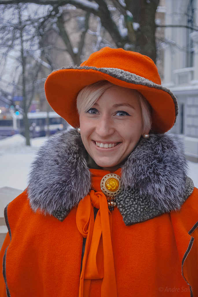 13:37:38   Great portrait, beautiful model, and I love her orange outfit!