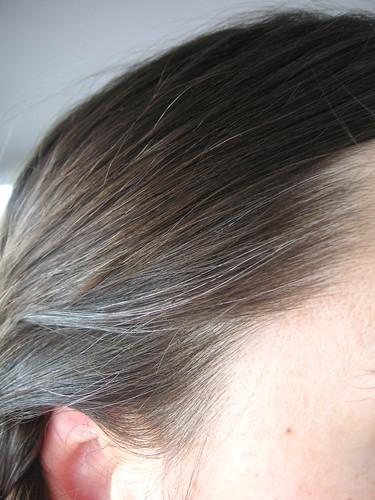Zwiebelsaft graue haare