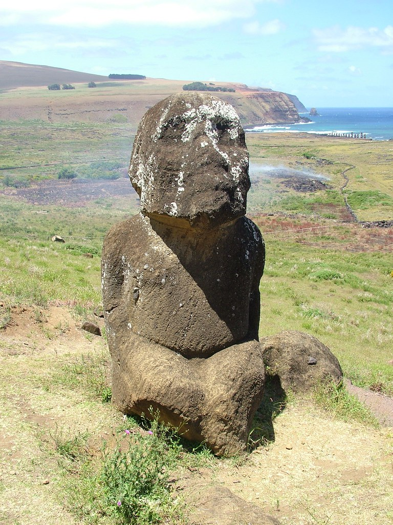 Easter Island - Kneeling Moai Tukuturi