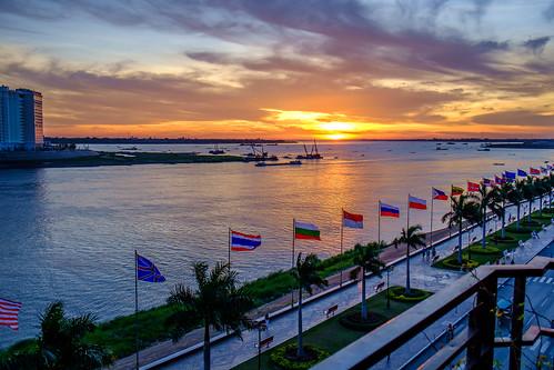 morning winter nature sunrise river dawn cambodia southeastasia outdoor phnompenh kh biketouring kampuchea កម្ពុជា ភ្នំពេញ fujifilmxe1 fujinonxf1855mmf284