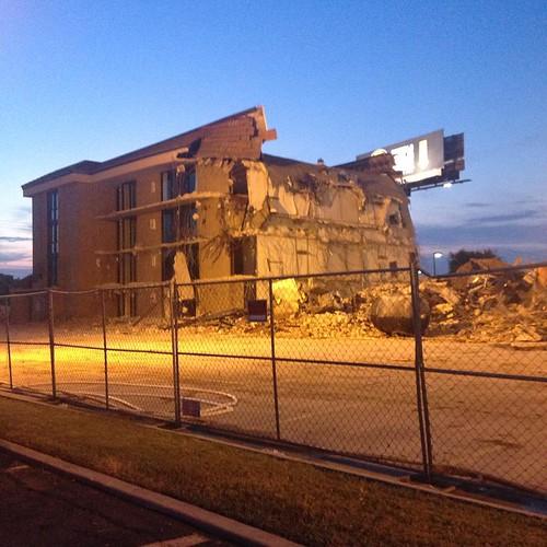 sunset sanantonio square hotel closed texas dusk tx motel demolition squareformat demolished drury ih35 druryinn satx peartreeinn iphoneography instagramapp uploaded:by=instagram