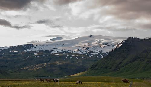 Isis vorm Eyjafjallajökull | by rainerSpunkt
