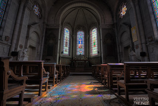 "URBEX - Chapelle de la cire perdue : Lumière divine - | by Frank ""cisdé"" - Visiting the Past"