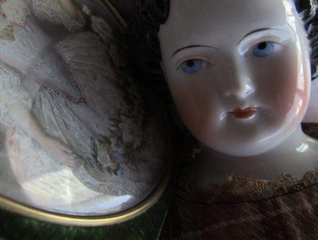 ZUT ALORS_china doll (Kestner? Kister?) _1860. Portrait miniature d'après Jean Marc Nattier