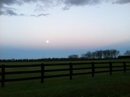 moon sunrise fence virginia farm brandystation