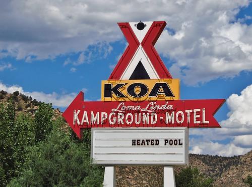 canoncity colorado roadtrip neonsign neon sign cotopaxi lomalinda koa campground