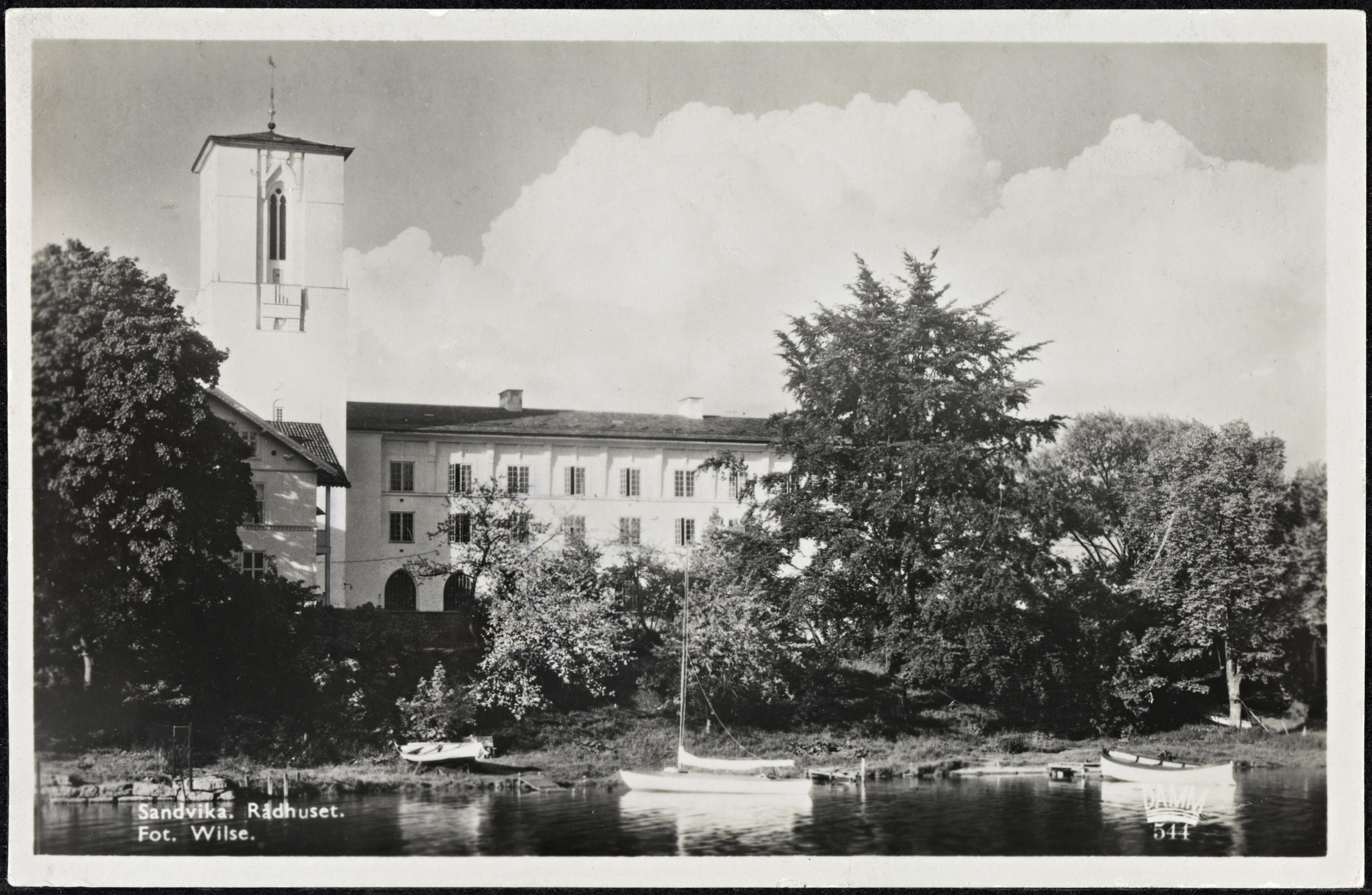 544. Sandvika. Rådhuset.