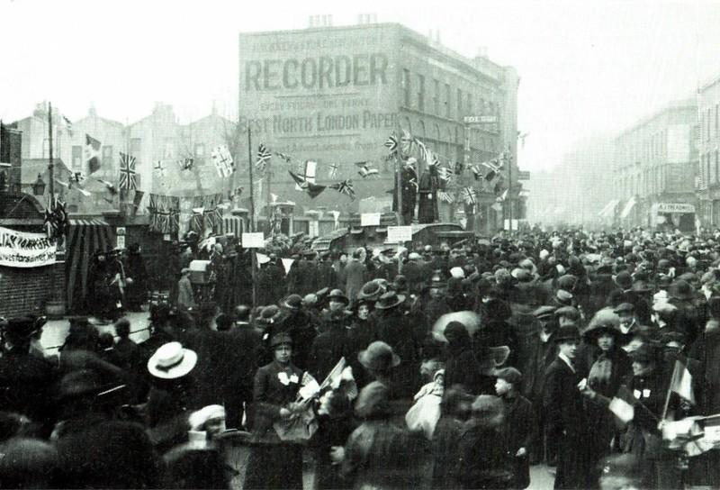 16.03.1918 The HM Landship 'Julian', aka 'Tank Bank' on a fundraising visit outside William Patten School 3