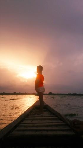 swamp lake boat light sunbeam towardsfuture future mobilephotography twilight